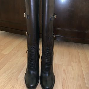 Burberry boots brand new
